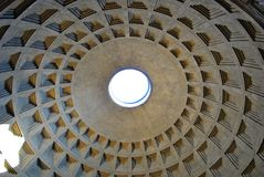 Koepel van het Pantheon in Rome Stock Fotografie