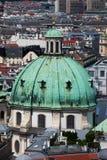 Koepel van St Peter Church in Wenen Stock Fotografie