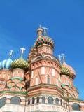 Koepels van de Kathedraal van het Basilicum van Heilige (Pokrovsky-Kathedraal) Stock Foto