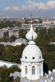 Koepels van de Smolny-Kathedraal Heilige Petersburg Stock Afbeelding