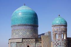 Koepels van moskee in Samarkand, Oezbekistan Stock Afbeeldingen