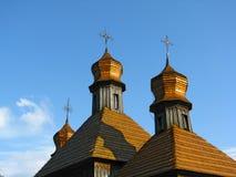 Koepels van oude houten kerk Stock Afbeelding