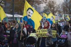 Koerdische demonstratie in solidariteit Kobane in Wenen Royalty-vrije Stock Foto's