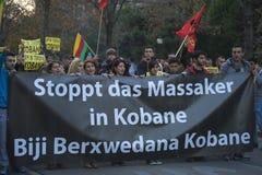 Koerdische demonstratie in solidariteit Kobane in Wenen Stock Foto