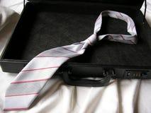 Koffer met stropdas Stock Foto's
