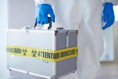 Koffer mit mikrobiologischer Waffe Lizenzfreies Stockfoto