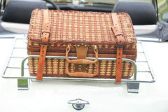 Koffer op auto Royalty-vrije Stock Afbeeldingen