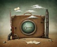 Koffer in woestijn Stock Afbeeldingen