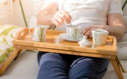 Koffie in bed Royalty-vrije Stock Foto's