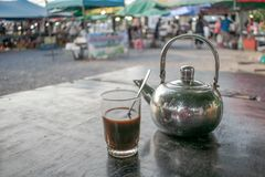 Koffie bij markt royalty-vrije stock fotografie