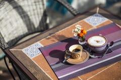 Koffie bij Middag stock afbeeldingen