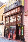 Koffie bij Voetrepublicii-Straat binnen de stad in Stock Afbeeldingen