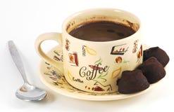Koffie die met lepel plaatst royalty-vrije stock fotografie