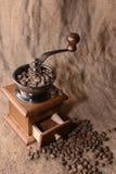 Koffie in een koffiemolen Royalty-vrije Stock Fotografie