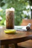 Koffie en boek Stock Afbeelding