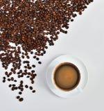 Koffie en bonen stock afbeeldingen