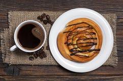 Koffie en broodje royalty-vrije stock foto's