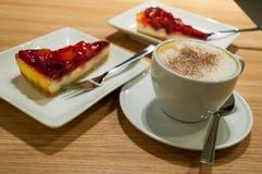 Koffie en cake Stock Afbeelding