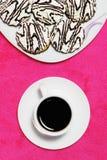 Koffie en cakes stock afbeeldingen