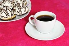 Koffie en cakes royalty-vrije stock fotografie