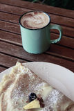 Koffie en Crepe Royalty-vrije Stock Afbeelding
