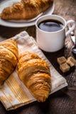 Koffie en Croissant stock foto