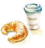 Koffie en croissant op een witte achtergrond Stock Afbeeldingen