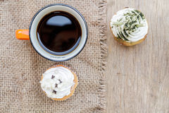 Koffie en cupcake Royalty-vrije Stock Foto's