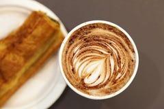 Koffie en Gebakje Royalty-vrije Stock Afbeelding