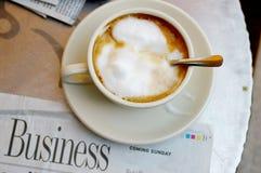 Koffie en het werk Stock Foto