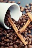 Koffie en kaneel Stock Afbeeldingen