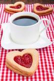 Koffie en koekjes met jam Stock Foto's