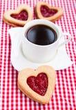 Koffie en koekjes met jam Stock Fotografie