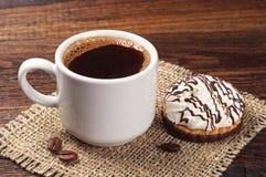 Koffie en koekjes met room Stock Afbeelding