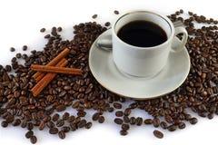 Koffie en koffiebonen Royalty-vrije Stock Afbeeldingen