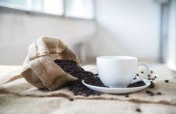 Koffie en koffiebonen Stock Afbeelding