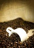 Koffie en kop stock afbeeldingen