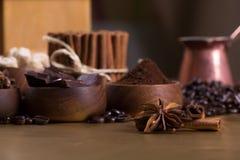 Koffie en kruiden Stock Afbeeldingen