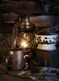 Koffie en Lamplicht Royalty-vrije Stock Afbeeldingen