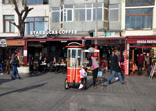 Koffie en restaurants in Istanboel Stock Foto's