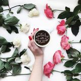 Koffie en rozen Stock Fotografie