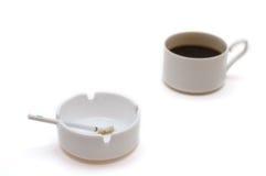 Koffie en sigaret Stock Foto
