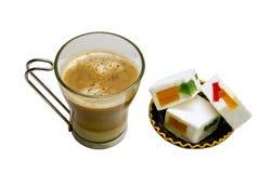 Koffie en snoepjes royalty-vrije stock foto's