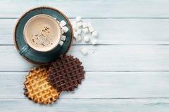 Koffie en wafels stock foto's