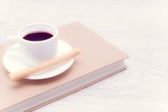 Koffie en wafeltje royalty-vrije stock fotografie