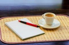 Koffie en Zaken Royalty-vrije Stock Afbeeldingen