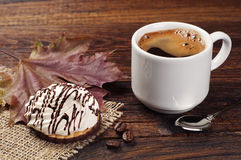 Koffie en zoete koekjes Royalty-vrije Stock Foto's