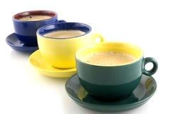Koffie in gekleurde koppen Royalty-vrije Stock Fotografie