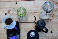 Koffie het brouwen, stap voor stap royalty-vrije stock foto's