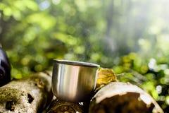 Koffie in het hout royalty-vrije stock foto
